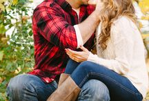 Roundup Post: Fall Engagement Photo Ideas