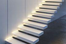 Home experience / stairs / Muovere i propri passi nella bellezza, riconoscere in questo gesto una meraviglia quotidiana. Le scale sono luoghi di passaggio, tra la notte e il giorno, tra situazioni ed esperienze differenti. Isoplam® le riveste di un'eleganza e una bellezza personalizzate.