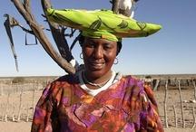 People in Namibia/Lidé / V Namibii žije několik národů a mluví se několika jazyky. Podívejte se, jak se žije lidem v zemi, odkud pochází naše výrobky.
