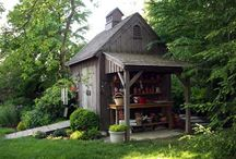 Garden Sheds & Potting Decor