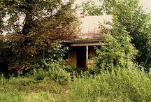 Miejsca / Stare domy, rupiecie, cuda przyrody...