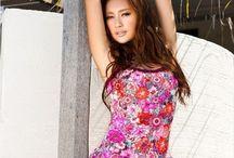 Wang Wan Wan 王丸丸 / Born on October 26th, 1989, Wang Wan Wan is popular model, actress and TV hostess from Beijing, China . http://chinese-sirens.com/wang-wan-wan-4/  Wang Wan Wan's Profile:  Other Name(s): Queenie Wang Origin: Beijing, China Born: 26 October, 1989 Height: 165cm Weight: 48kg Measurements: 33-24-35 Blood Type: O Occupation: model, actress, TV hostess