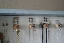 """♥ necklace & earring organizers ♥ / After years of wearing mostly only pearl earrings, I just started wearing """"dangly"""" earrings (I know, right?! This late in the game?!) and received a few for my birthday... immediately I discovered a problem: what should I do to keep my earrings nice and accessible.  Thus my search began... for the best organizer for dangles and neclaces."""