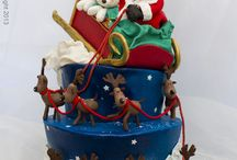 Christmas ideas in sugar / cakes, panettone, cookies and more alla decorated in sugar paste. Enjoy!