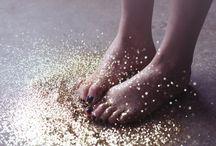 aes: glitter