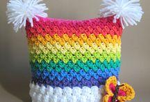 Regnbue tøy og tråd
