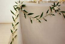 Garlands and swags......j'adore