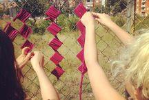 Guerrilla de ganxet / La guerrilla de ganxet es un colectivo que nació en el 2010 en Barcelona para sacar a la calle las labores tradicionales. Intervenimos el espacio público, a veces con ganchillo, a veces con bordado pero siempre de una forma lúdica y muchas veces con un mensaje social detrás.  Crochet guerrilla is a yarnboming collective from Barcelona that was born in 2010.