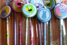 Holiday Pencil Treat Bags / Fun and creative ways to make pencil goodies! / by Scrappy Beads