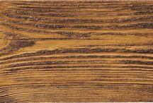 Deski elastyczne / Deska Elastyczna nadaje się na zewnętrzne elewacje budynków jako deska elewacyjna ale także jako element dekoracyjny do wewnątrz. Doskonale imituje deskę z drewna. Deska elastyczna jest to mieszanka żywicy akrylowej z dodatkami oraz piasku kwarcowego barwionego.