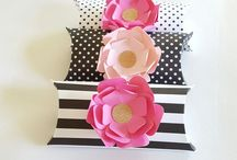 Favor Boxes With Flowers Ideas