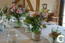 Sandhole Oak Barn Wedding / Wedding flowers at Sandhole Oak Barn, Cheshire. Flowers by Laurel Weddings