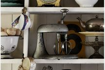 Shelf Styling / How to organize and display your shelves in beautiful ways. / by Karisa | Petite Modern Life