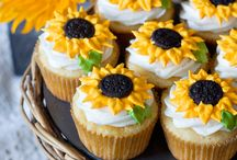 recipes--cupcakes / by Louann Martin