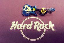 Limited edition / Aquí podéis ver nuestros pins de edición limitada  Check out our limited edition pins