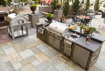 Outdoor kitchen / More and more homeowners are adding luxurious outdoor kitchens to their backyard. We carry a full line of exterior cooking equipment and appliances, including gas grills, pizza & bake ovens, and ceramic Kamado-style grills from Big Green Egg, Primo, and Kamado Joe. For built-in storage and space to prepare and serve food, choose from our large selection of exterior cabinets, natural stone countertops, and stone veneers.