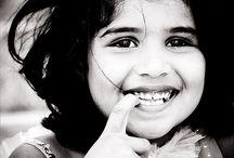 Een lach. -   a smile