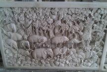 Reliefy - płaskorzeźby z kamienia / Płaskorzeźby z kamienia naturalnego. Reliefy od Lux4home™.