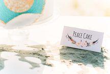 Bohemian beach wedding / Een mooi inspiratiebord met het thema 'bohemian wedding.' Erg trendy op dit moment. Neem een kijkje in dit bord voor meer inspiratie.