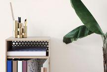 Møbler med oppbevaring / Velg møbler til hjemmet som ikke bare er flotte, men som også har oppbevaringsmuligheter, som gjør at du kan gjemme vekk praktiske nødvendigheter.