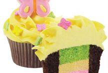 Cupcakes ♡ / by Alyssa Pacheco Hendrix