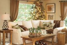 holiday decor / by Rebecca Simmons