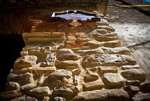 """Palazzo Mascambruno / A Cariati, in Calabria, nel caratteristico centro storico fortificato (anno 1000), circondato da poderosa mura  e da otto torrioni, quasi a picco sullo splendido mare Jonio, lungo la costa chiamata """"Costa dei Saraceni"""", ricco di arte, di storia e di antiche tradizioni religiose, in un palazzo d'epoca del 1600 (Palazzo Mascambruno), è stato realizzato il confortevole B&B Residenza d'Epoca """"Palazzo Mascambruno"""" predisposto per un'accoglienza esclusiva e riservata a pochi selezionati ospiti."""