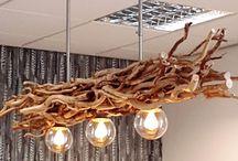 Holz-lampen.com / Leuchten aus natürlichen  Zweigen. Deshalb ist jede einzelne Lampe in unserem Webshop ein Unikat. Wir verwenden für deren Herstellung dekorative Zweige und Aststücke von verschiedenen Gehölzarten. Je nach Geschmack und Einrichtungsstil können Sie aus naturbelassenen oder geschälten Holzmaterialien wählen. Die Naturlook-Leuchten liegen derzeit sehr im Trend.