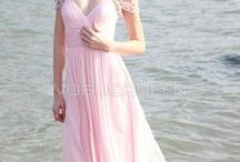 Dresses / by Corinne D'Anna
