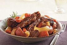 Slow Cooker Recipes / by Kelsey Avery