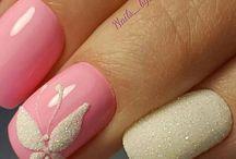 ανοιξιάτικα νύχια