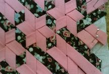Weaves quilts