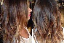 Cheveux jusqu'aux épaules