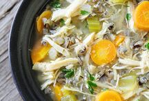 Easy peasy slow cooker! / by Nicole Mettler