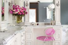 HOME SWEET HOME / by Ashlyn Lessenberry