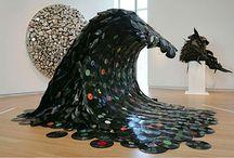 Arte y diseño surf / Artistas plásticos con obras vinculadas a la cultura surf. Diseñadores gráficos e ilustradores relacionados con: la música, el cine y la cultura surf. www.surfeten.com
