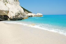 Kefalonia / Kefalonia, the largest of the Ionian islands, best known for its imposing mountains and its beautiful beaches.We will visit Fiskardo where we will taste delicious traditional greek food.