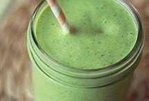 smoothies/juices / by Kiara Gomez