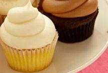 Cupcakes / by Maddie Naughtin