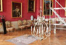 Lustres restaurés à Chambord/ Chandeliers restored in Chambord castle.