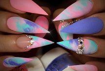 next nails.
