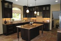 Contemporary kitchen / kitchens designed by Cabinet Impressions