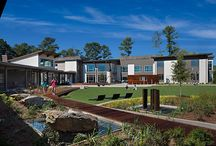 Rollins Campus for Young Adults / A 3.5 acre property adjacent to the existing main campus is home to a new young adult residence and treatment center. A 35,000 square foot facility includes a residential wing with 32 private bedrooms and bathrooms; community, recreation and dining areas; gardens; and treatment spaces.