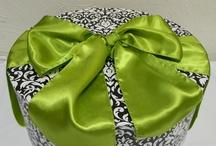 Lime Green, Black & White Weddings
