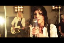 MUSIC videos / by Andrea Fjeldberg