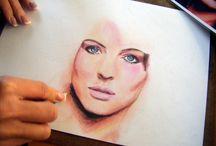 Színes ceruzás portrék, rajzok