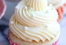 Cakes & cupcakes... / by Linda G