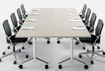 MOBILIER DE RÉUNION / Atoma vous propose une large gamme de mobilier de salle de réunion. En tenant compte du nombre de participants, de la configuration de la salle et du niveau de standing que vous recherchez, maîtrisez l'ambiance que vous voulez donner à vos réunions.    - Table de réunion ergonomique, pratique et adaptée aux exigences de vos salles  - Chaise de réunion design, robustes et confortables pour une attention de qualité  - Nombreux choix de modèles, matières et coloris