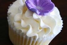 Wedding Cakes and Cupcakes / by Teresa Bumpus