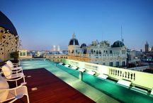 Rooftop swimming pools - hotels in Barcelona / Central hotels with rooftop swimming pools - Barcelona / by Barcelona Help